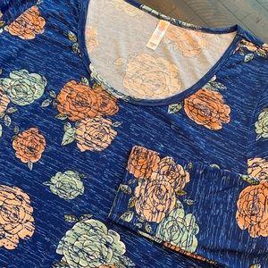 LuLaroe Lynnae Floral Print Top Size 3XL